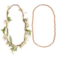 Kikkerland Outdoor Fresh Flower Necklace   Huckleberry