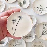 Michelle Barrett Ceramics Dish   22k Rim   Nature Imprint