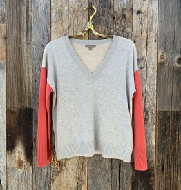 Lilla P Lilla P Colorblock V-Neck Sweater - Heather Grey