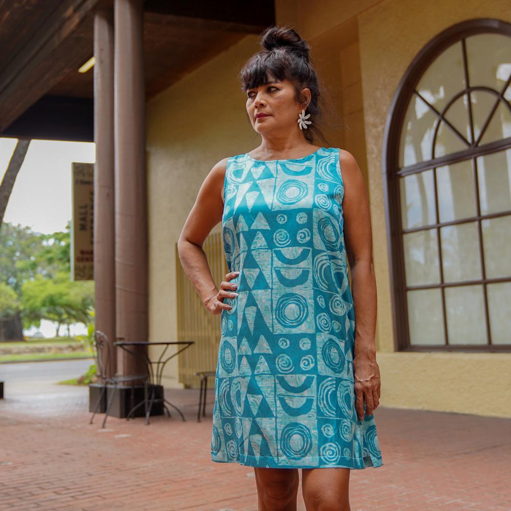 Makawalu, Ocean (silk) - Women's Sleeveless Shift Shirt