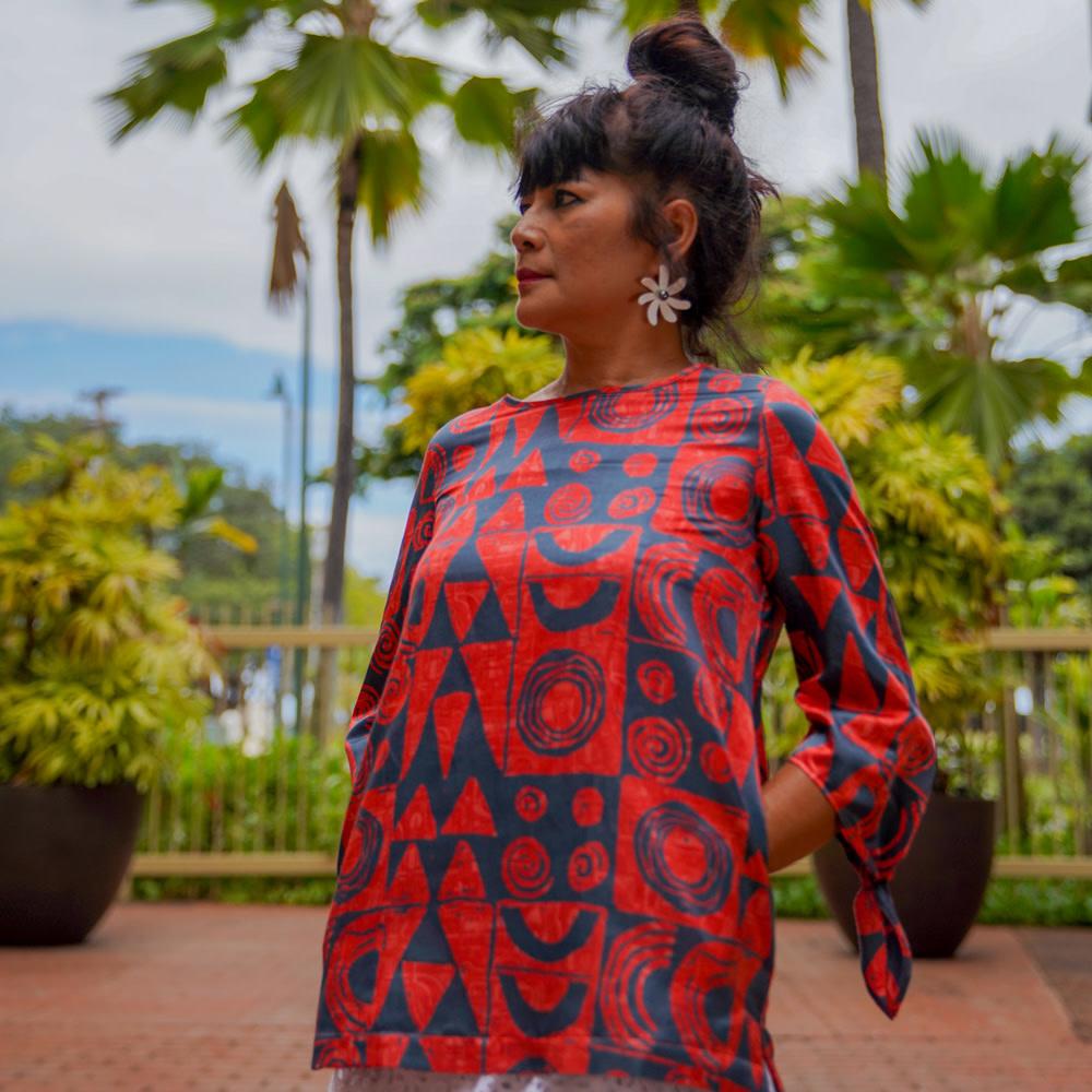 Makawalu, Lava (silk) - Women's Tie Sleeve Top