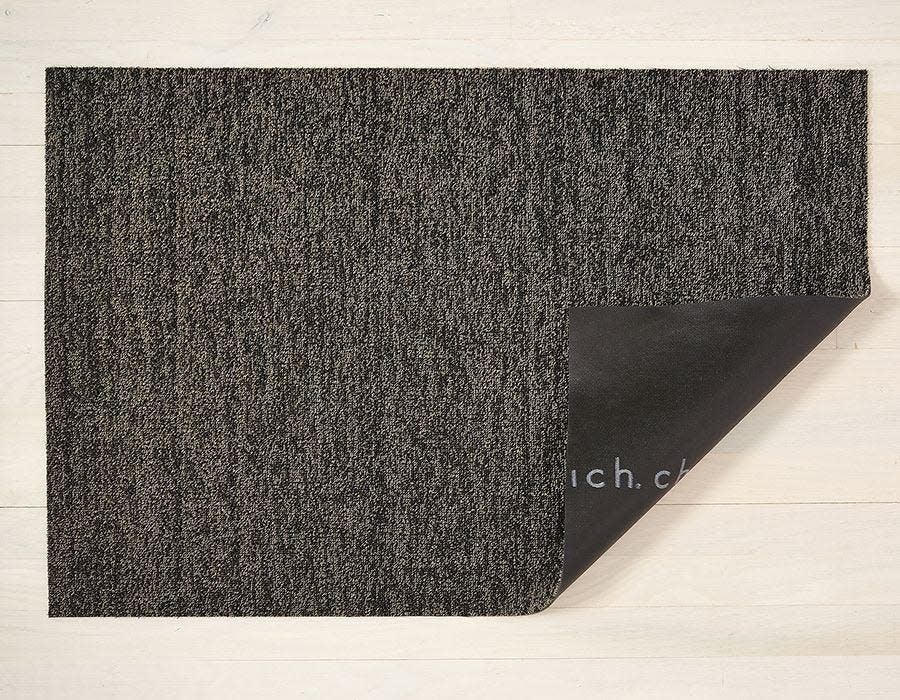 Chilewich Utility Mat 24x36: Shag Heathered BLACK/TAN