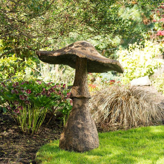 "CastArt Studios Garden Mushroom - Giant 44"":"