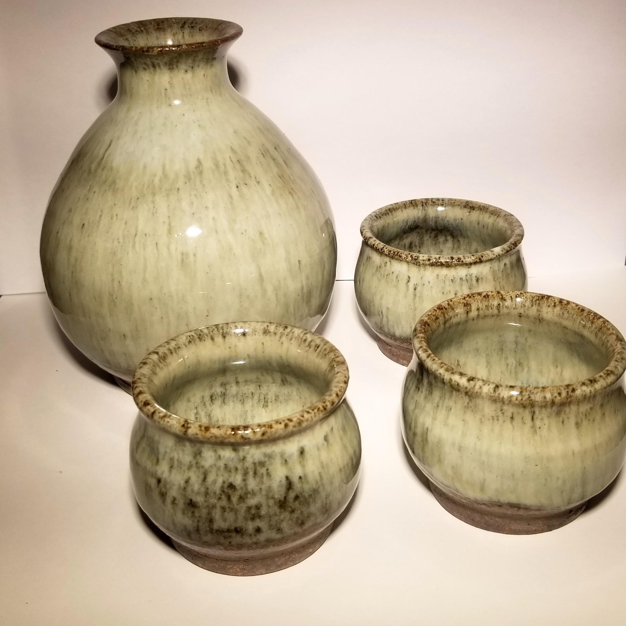 Saki Set (bottle w/ three cups)