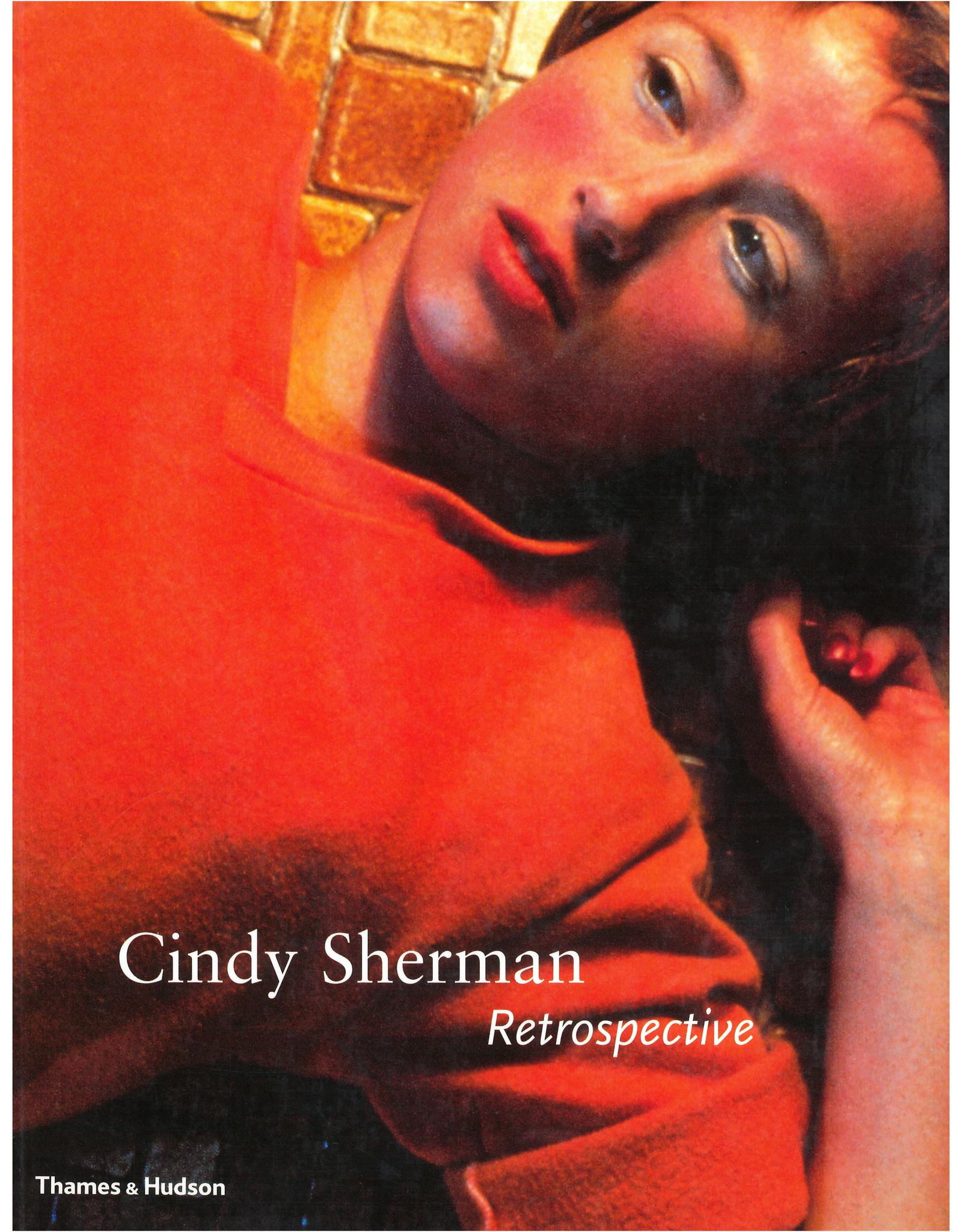 Cindy Sherman Retrospective / Amanda Cruz