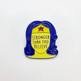 """La Licornerie Épinglette Wonder Woman """"Stronger Than You Believe"""""""
