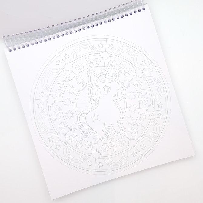 La Licornerie Carnet de 36 mandalas licornesques et magiques à colorier