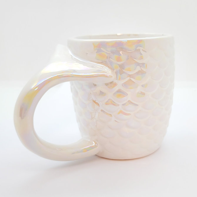 La Licornerie White iridescent mermaid cup