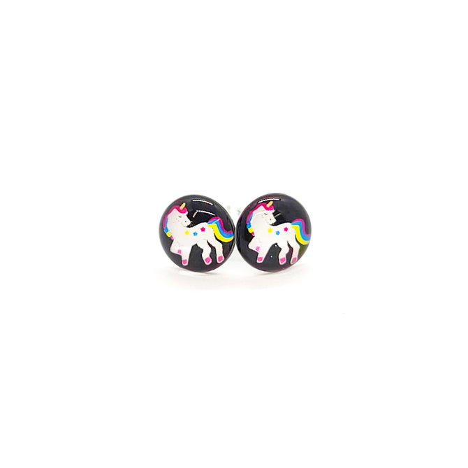 La Licornerie Paire de boucles d'oreilles studs sur fond noir