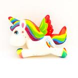 Squishy licorne couchée arc-en-ciel