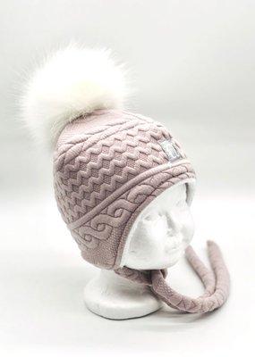 Chapeau avec cordon et pompon