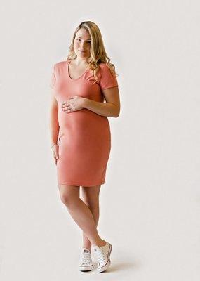 Rose maternité Intrigue col V Corail