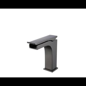 CDC Lavatory faucet  short matte black waterfall om-7195