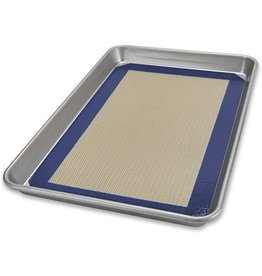 USA Pans Quarter Sheet Pan with Baking Mat Set