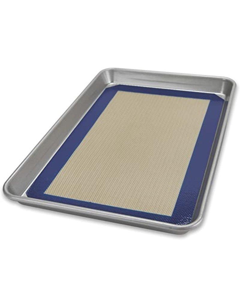 USA Pans Quarter Sheet Pan w/ Baking Mat
