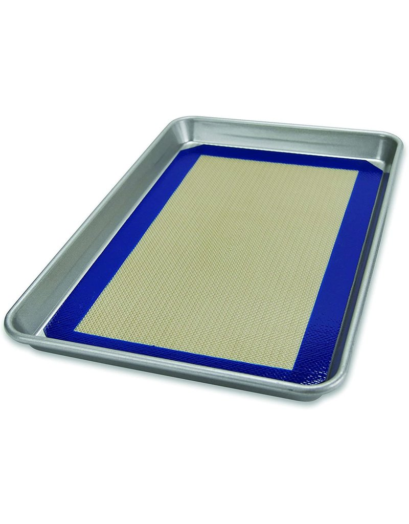 USA Pans Jelly Roll Pan with Baking Mat Set