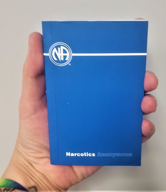 NA Basic Text - Pocket - Softcover