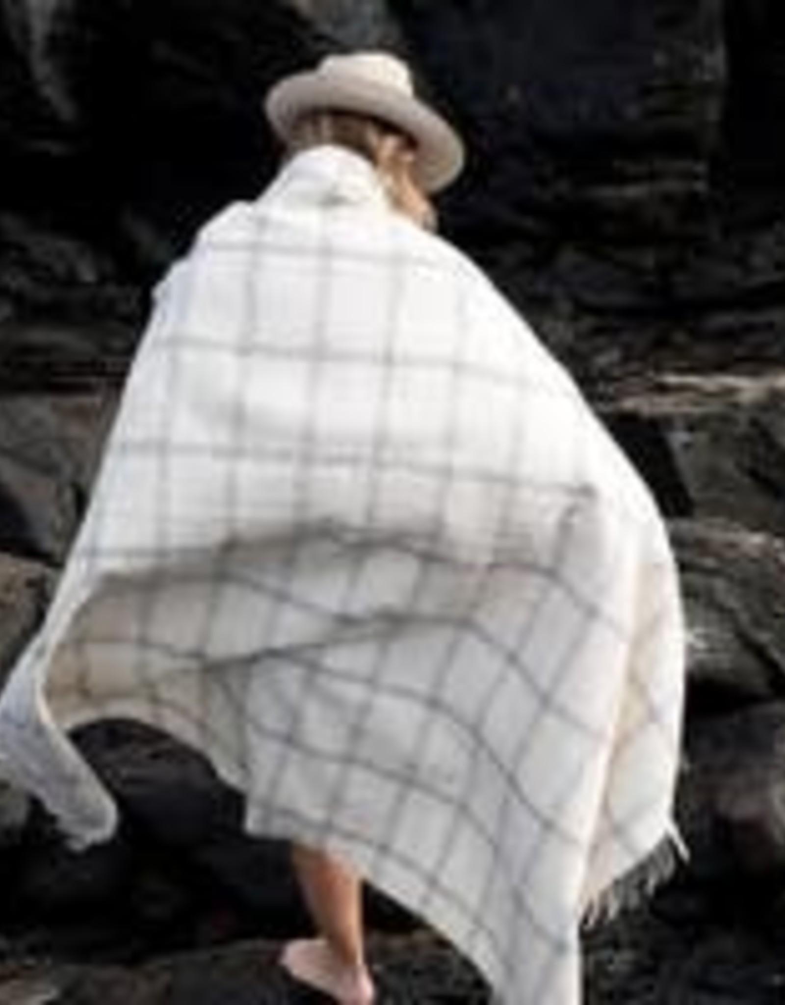 Harlow Henry Windowpane Alpaca Throw - Creme