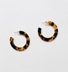 Dear Soho Dear Soho | Olivia Classic Tortoise Flat Hoop Earrings