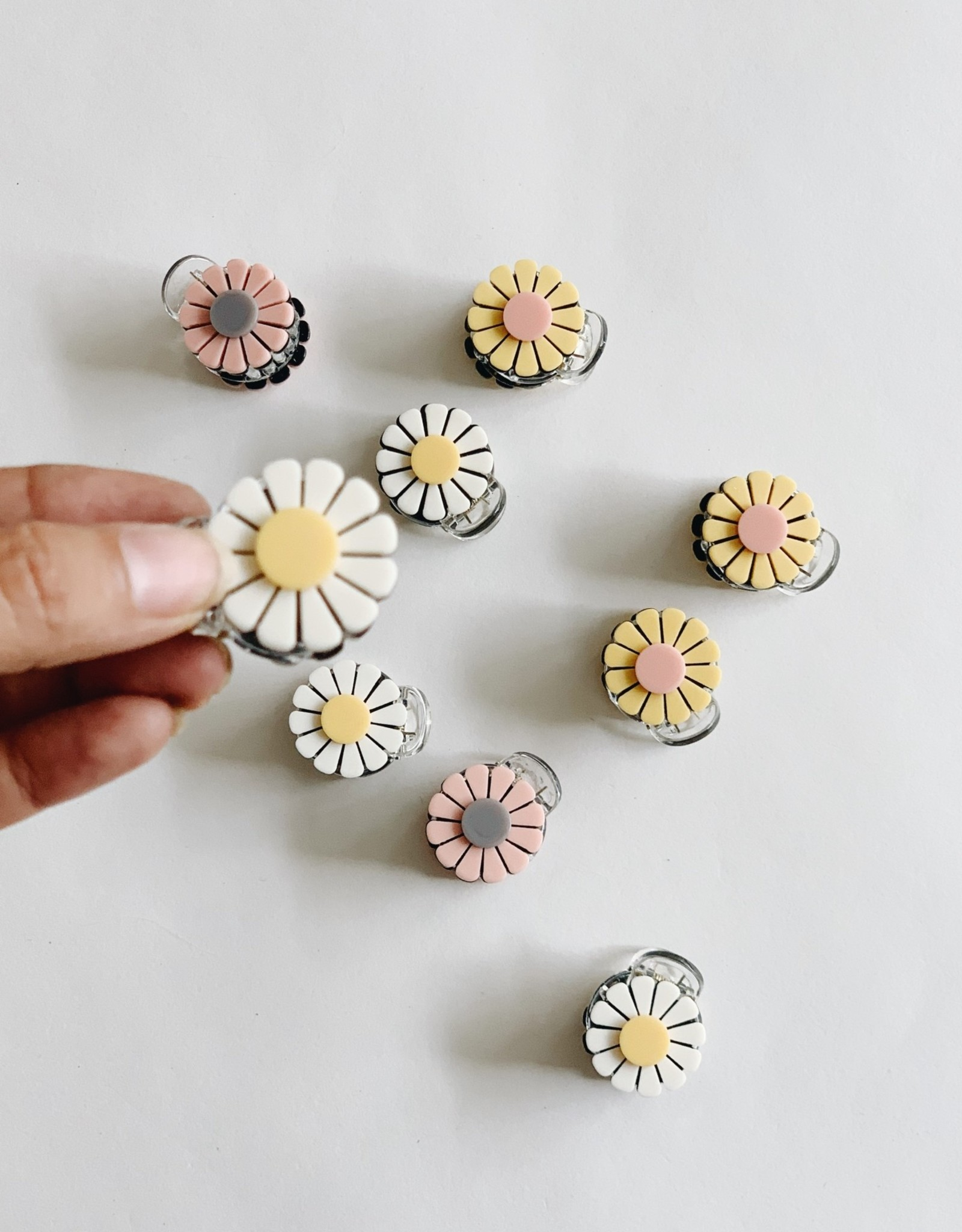 Large Daisy Claw Clips (Set of 2)