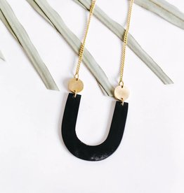 Amsha Arch Necklace