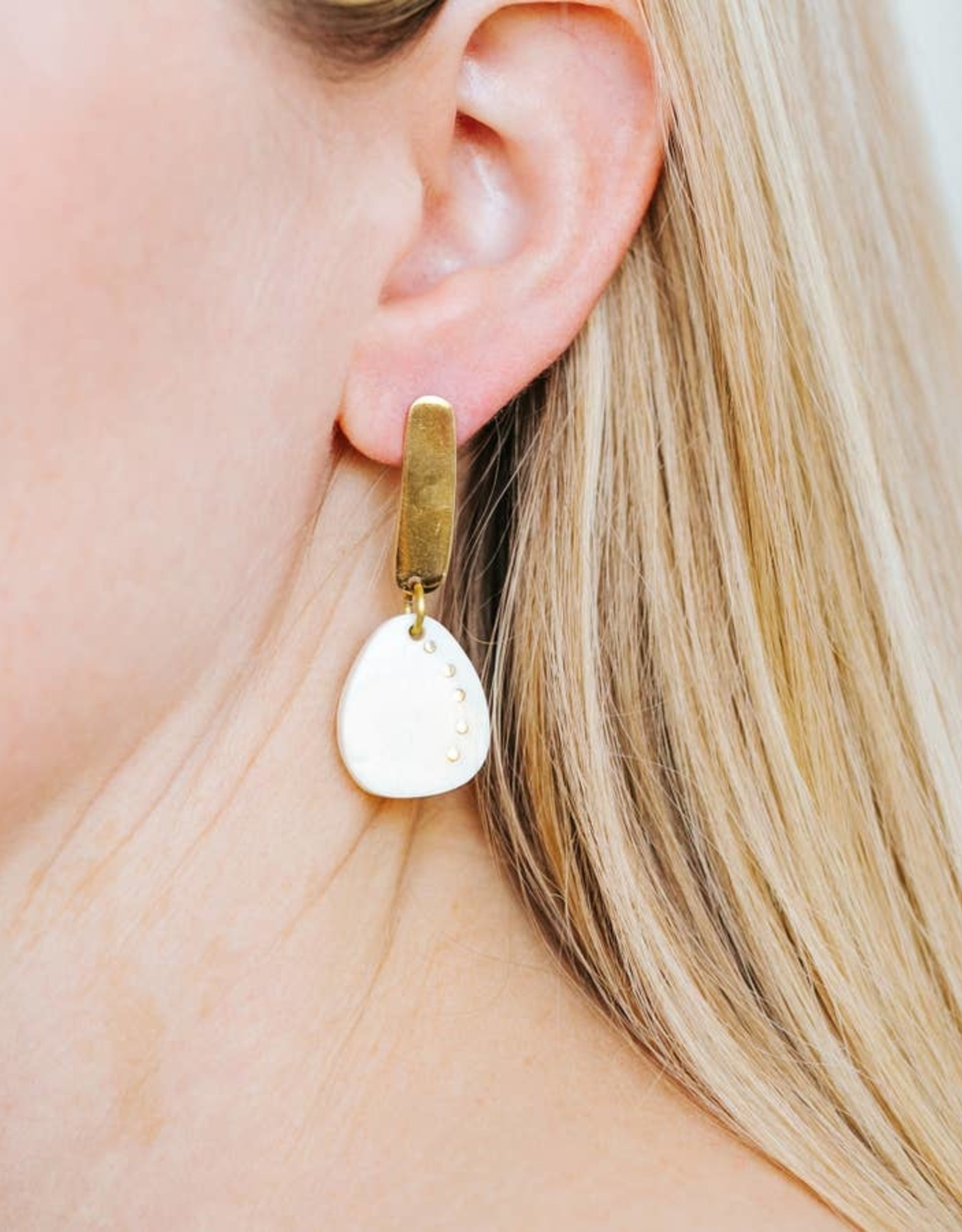 Amsha Amsha | Pebble Earrings