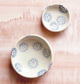 A WAYS AWAY A Ways Away | Trinket Ring Dish - Cobalt Blue Daisy