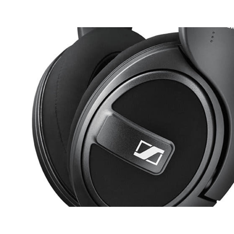 Closed around ear headphones with detachable cable.