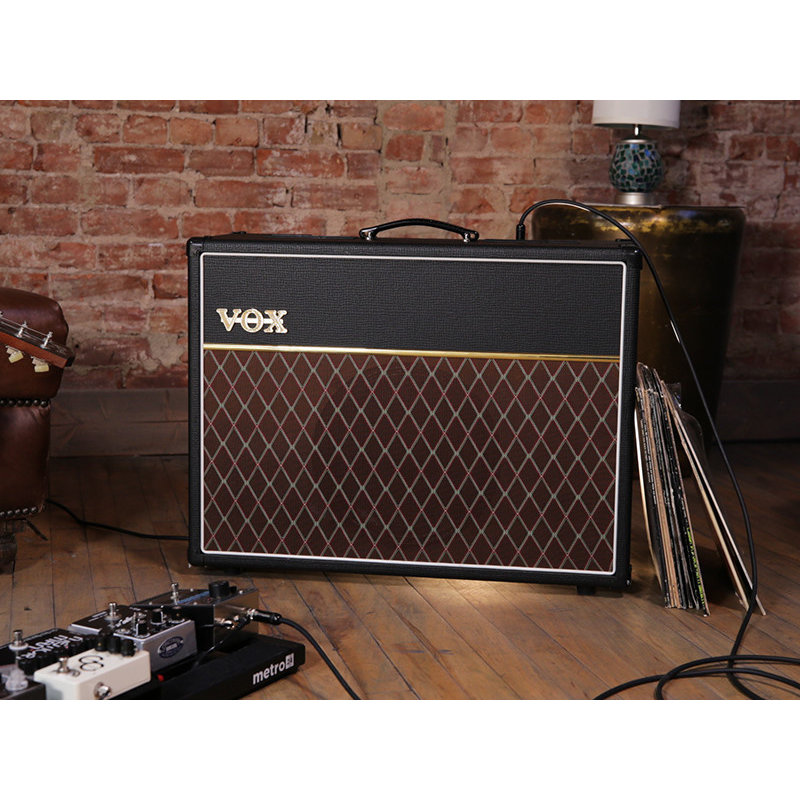 "30-watt 1-channel All-tube 1x12"" Guitar Combo Amplifier with Digital Reverb and Effects Loop"