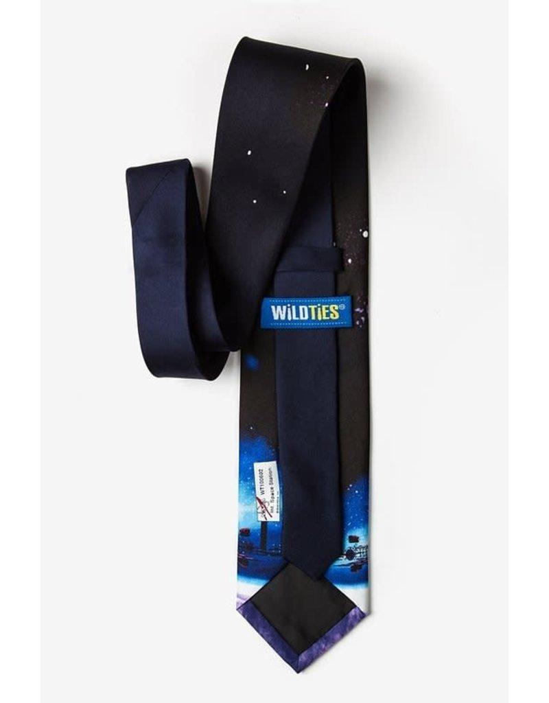 Cravate arborant la Station spatiale internationale