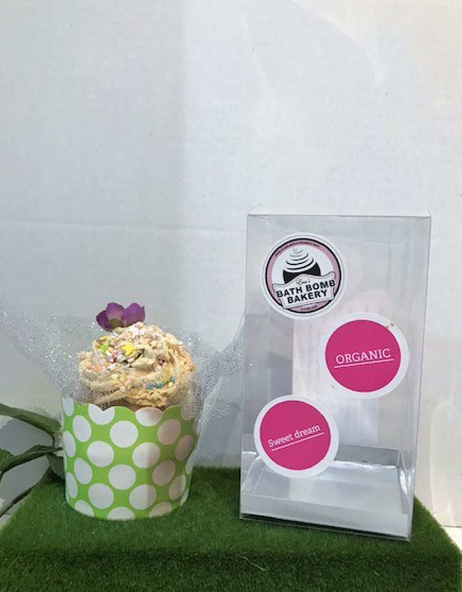 Cupcake Bath Bomb - Three Scents