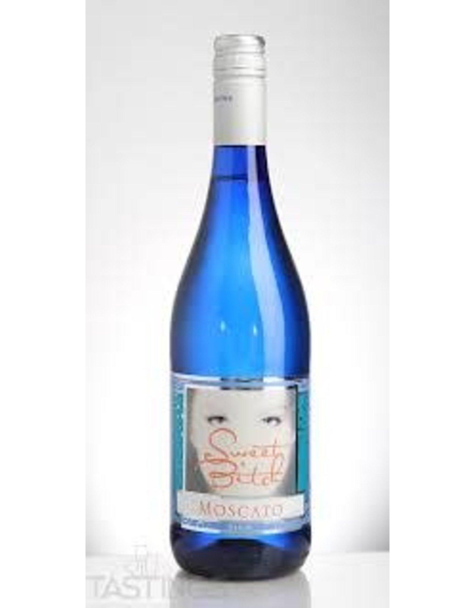 SWEET BITCH MOSCATO BLUE BOTTLE 750ML