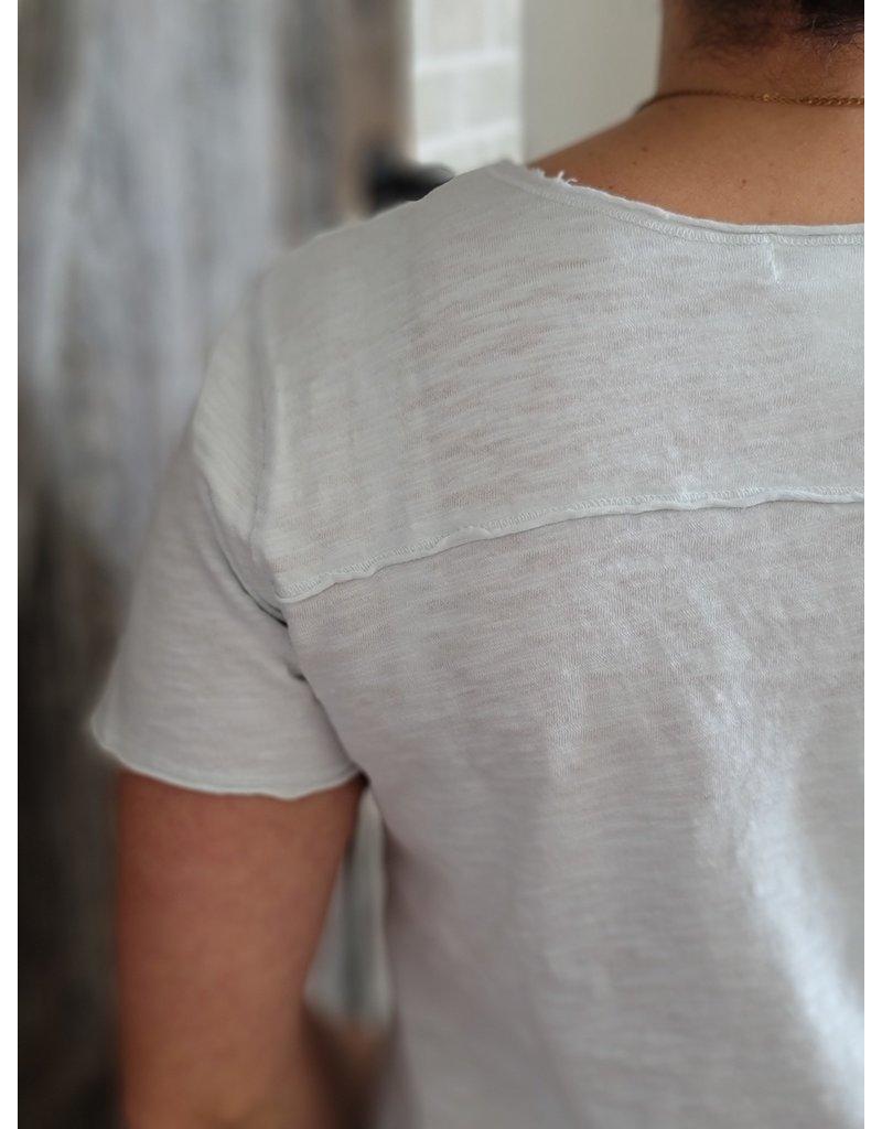 Mododoc Short Sleeve Raw Edge V-Neck Tee