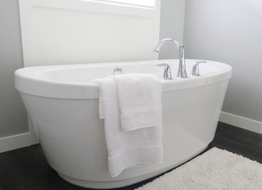 Bathtub & Toilets