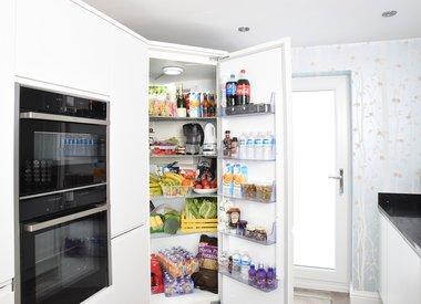 Refrigerator / Freezers