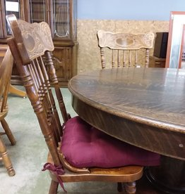 Scarborough Store Round Mahognay Dining Table