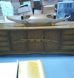 Markham East Store Extra large Dresser/Buffet with Light