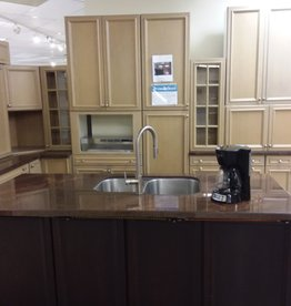 Vaughan Store Modern Full Kitchen Set with Island
