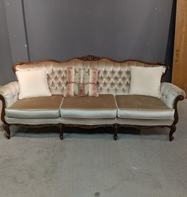 Newmarket Store Escalera Ivory Sofa