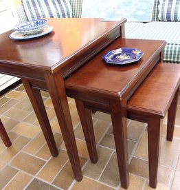 Vaughan Store Set of 3 Nesting Tables