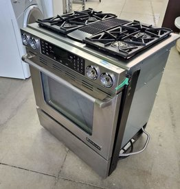 North York Store JEN AIR GAS STOVE