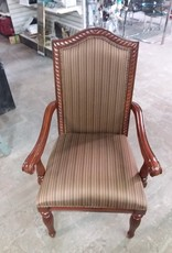 Etobicoke Store Accent chair