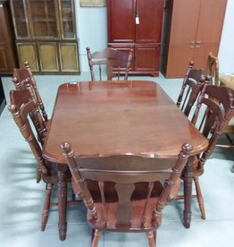 Markham West Store Maple Dining Room Table and 6 Chairs