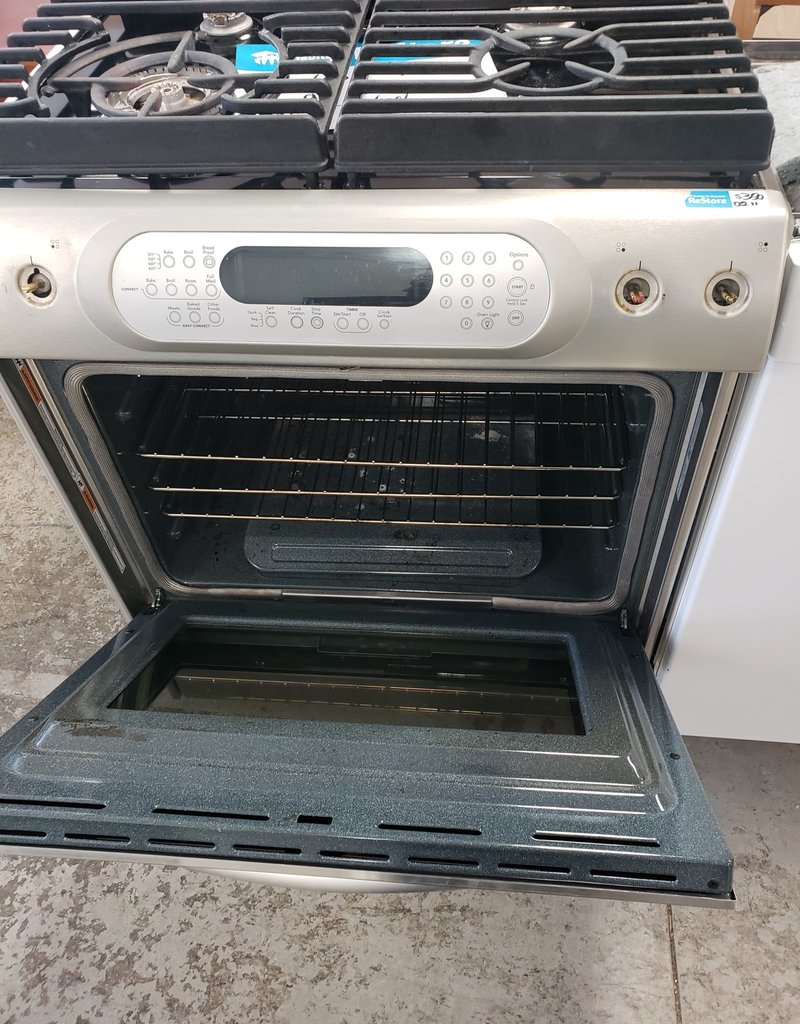East York  Store Kitchen Aid gas stove
