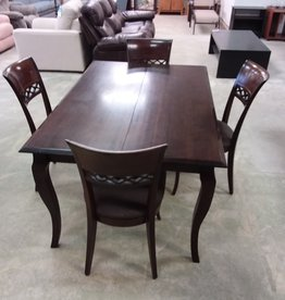 Scarborough Store Solid Wood Dining Table with 4 chairs