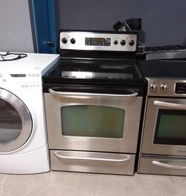 Studio District Store GE flattop stove