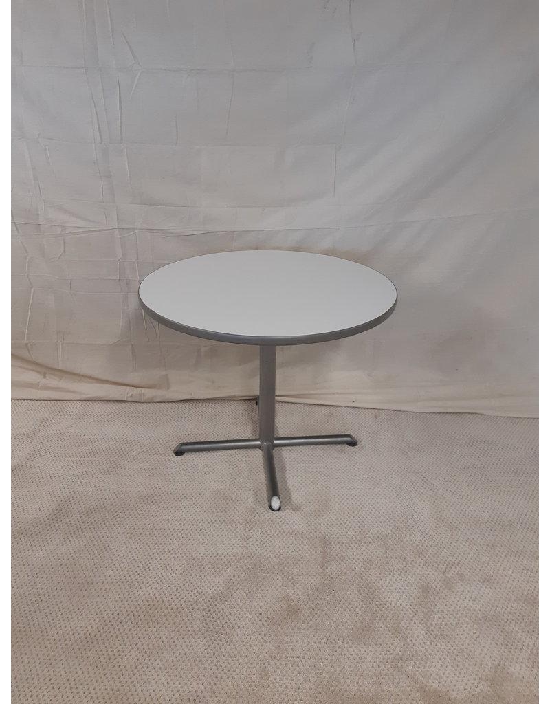 "East York 36"" Diameter Round Table"