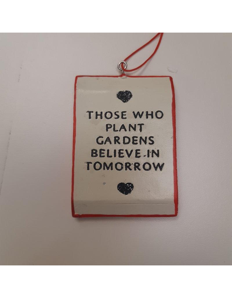 """Vaughan Garden Ornament - """"Peas"""""""