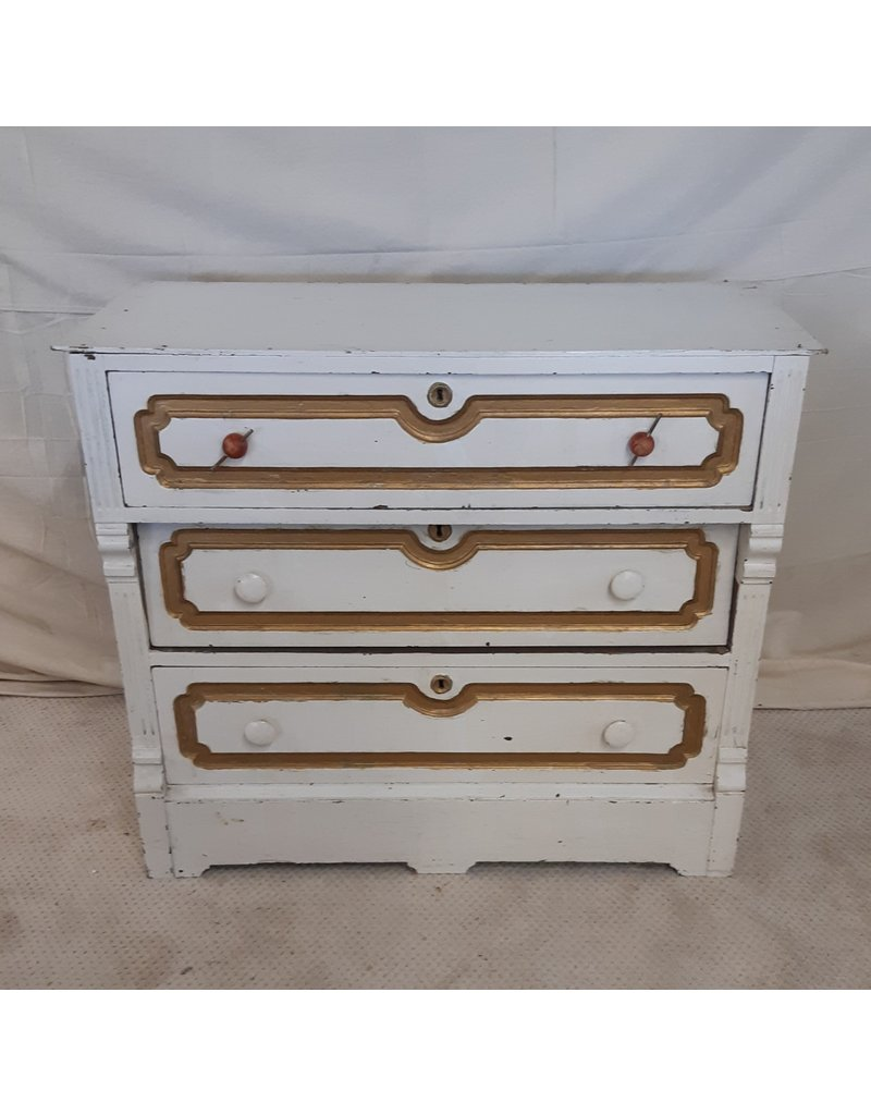 East York Antique White Dresser, required refinish
