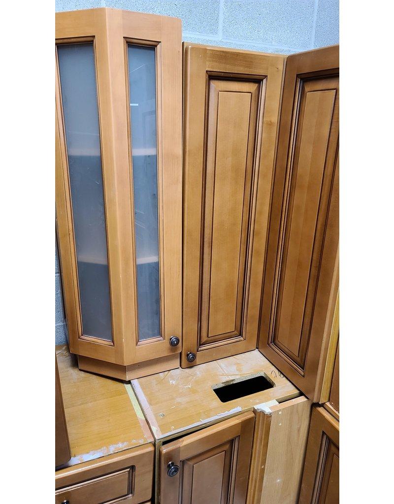 East York Upper Kitchen Cabinet Set